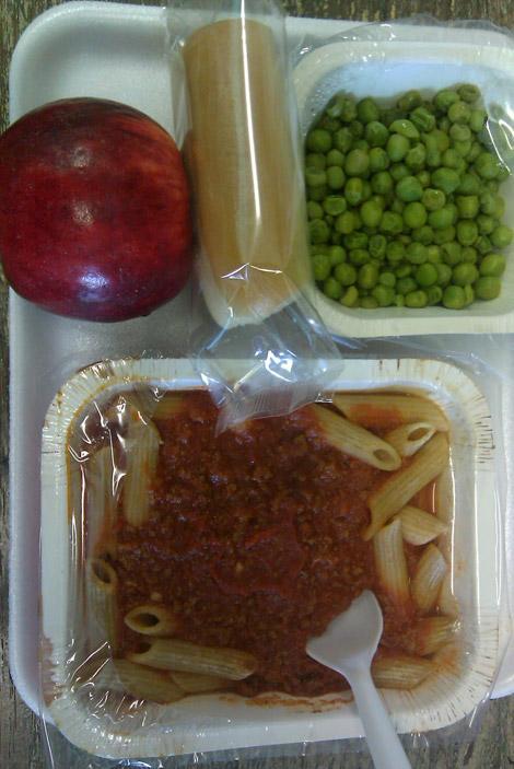 insegnante_USA_mangia_scuola-pasta