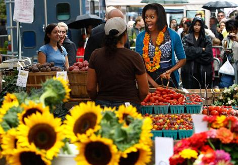 Michelle+Obama+Visits+New+Farmers+Market+Washington+zimbio-com