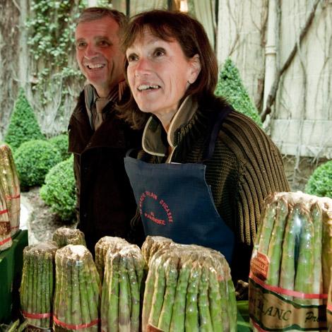 ducasse-mercato-parigi-ortaggi-asparagi-blanc-01