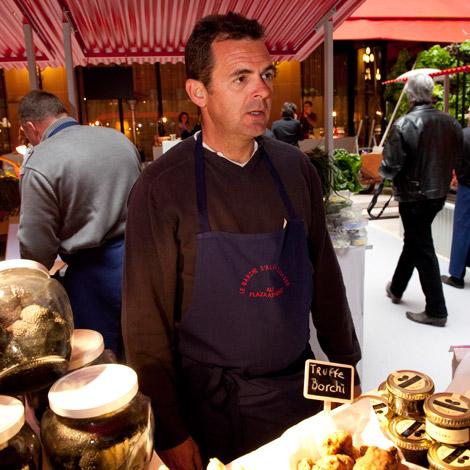 ducasse-mercato-parigi-ortaggi-tartufi-galis-03
