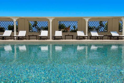 vicolo-santa-lucia-hotel-carducci-76-piscina