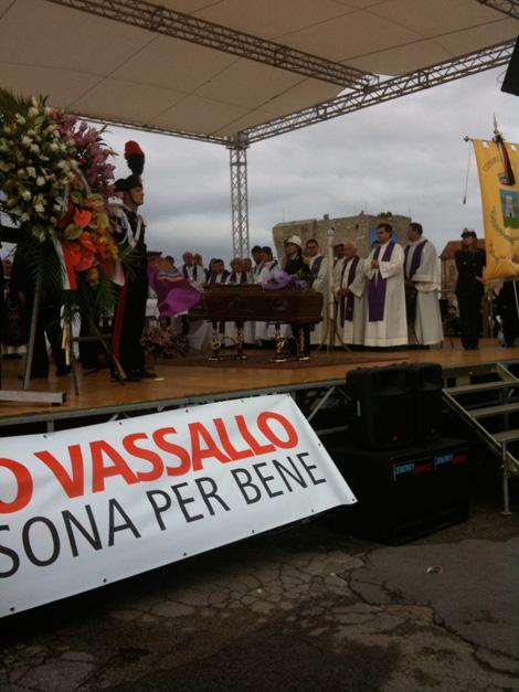 Angelo-Vassallo-Acciaroli-funerali-bara