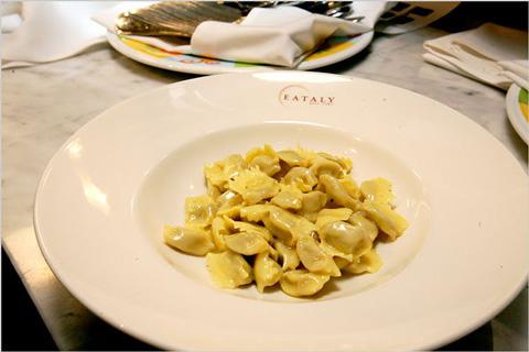 eataly-NY-Nicole-Bengiveno-pasta2