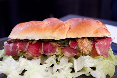 M8-Barrili-sandwich-carne