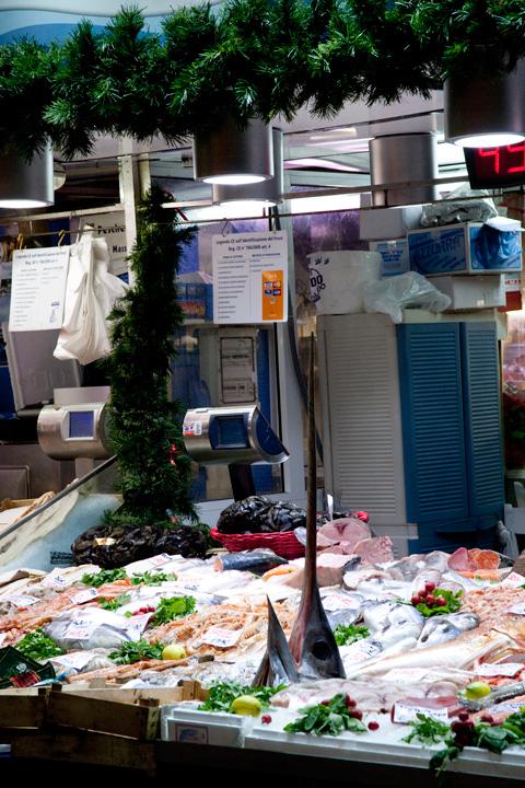 mercato-pesce-genova-natale