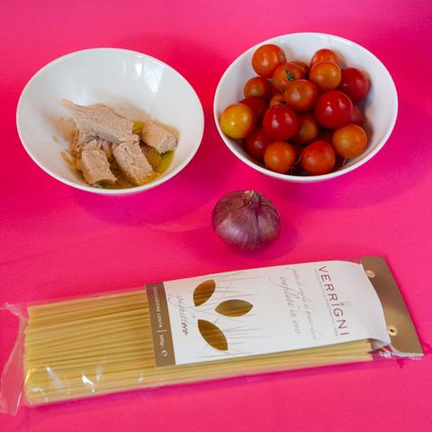 natale-romano-spaghetti-tonno-ingredienti