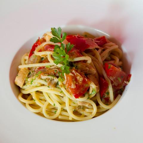 natale-romano-spaghetti-tonno-q