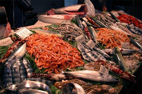 Piatti di pesce a natale al ristorante attenzione alle for Piatti cinesi mangiati in italia