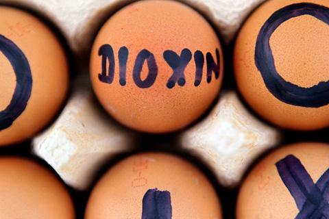 crollo-consumi-diossina-uova