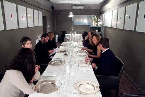 scatti-parole-modena-francescana-tavolo