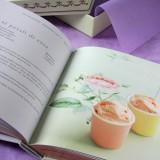 Le 100 ricette di Ladurée, con gli autentici macaron, in un libro raffinato