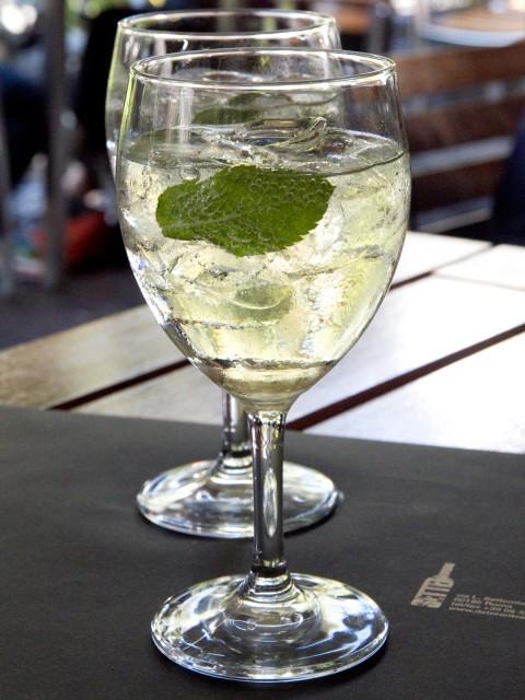 Ricetta Hugo Dosi.Cocktail Trendy Hugo Per L Estate Secondo Pino Mondello