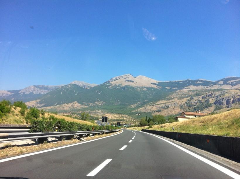 Autostrada-Salerno-Reggio-Calabria-con-il-Pollino