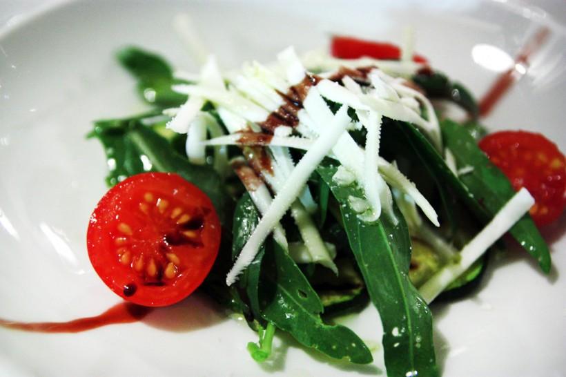 Insalatina-zucchine-rucola-e-caprino-Li-Jalantuumene-Gargano