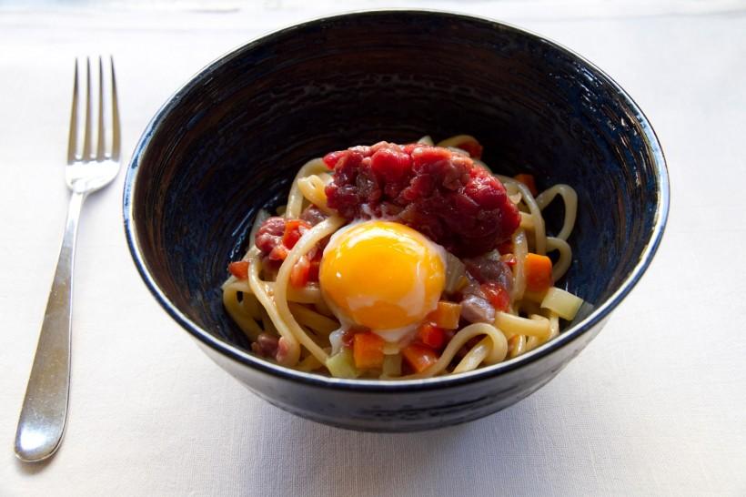 spaghetto-tartare-manzo-uovo-settembrini