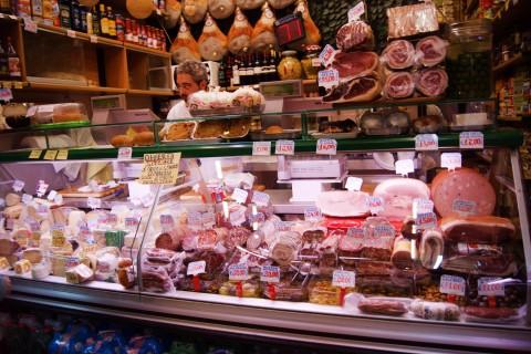 Napoli la top ten delle salumerie per la spesa o il panino for Negozi di belle arti milano