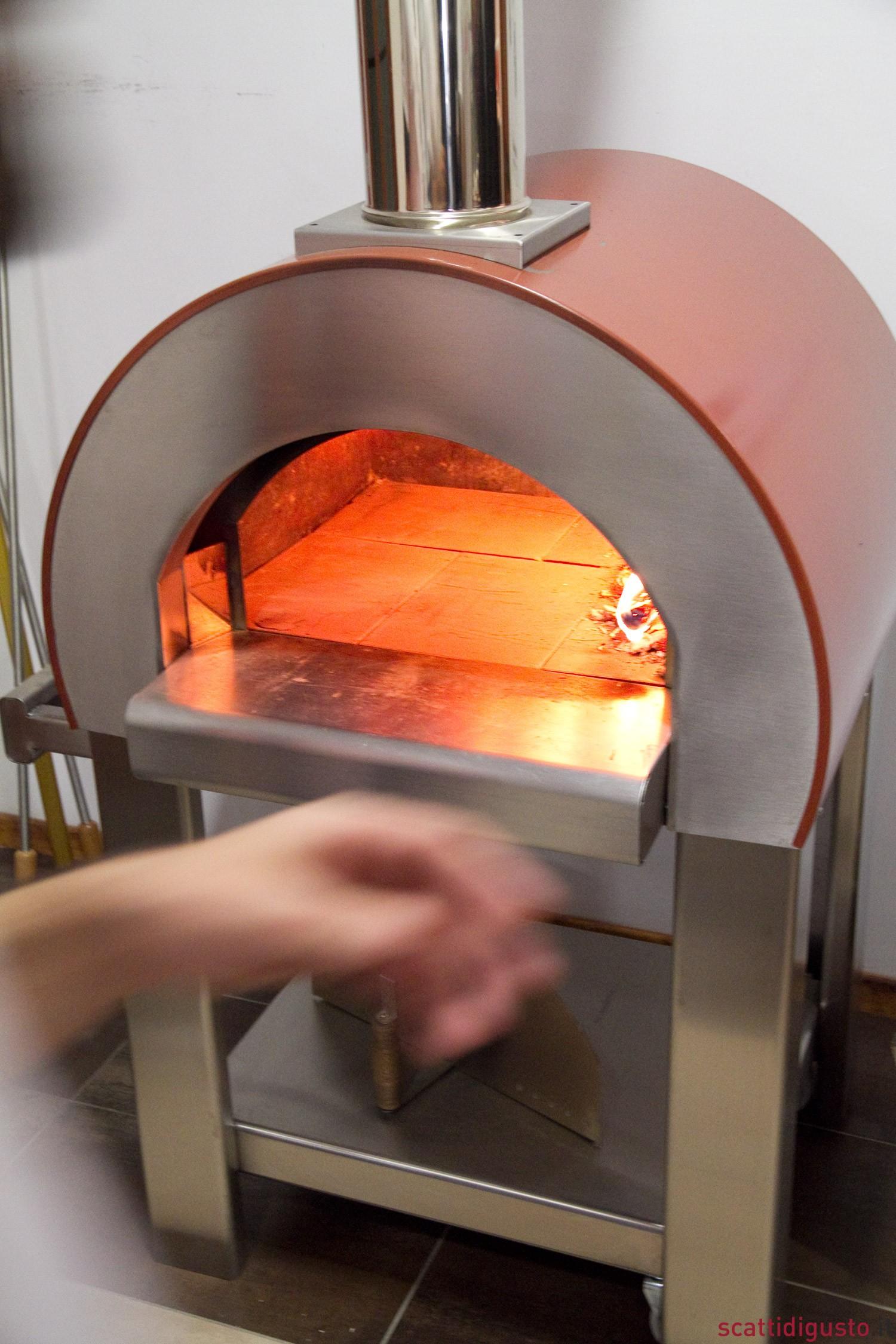 Jaws vince il premio pizzaiolo per un giorno con sharden - Forno per pizza domestico ...