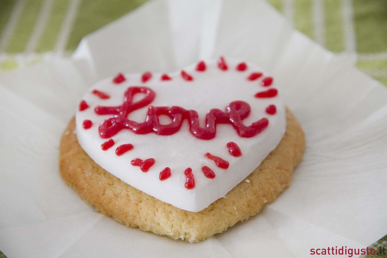 La ricetta dei biscotti del cuore per san valentino for Pensierini di san valentino