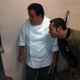 Gino Sorbillo ritorna subito a sfornare pizze. Da Gennaro Esposito