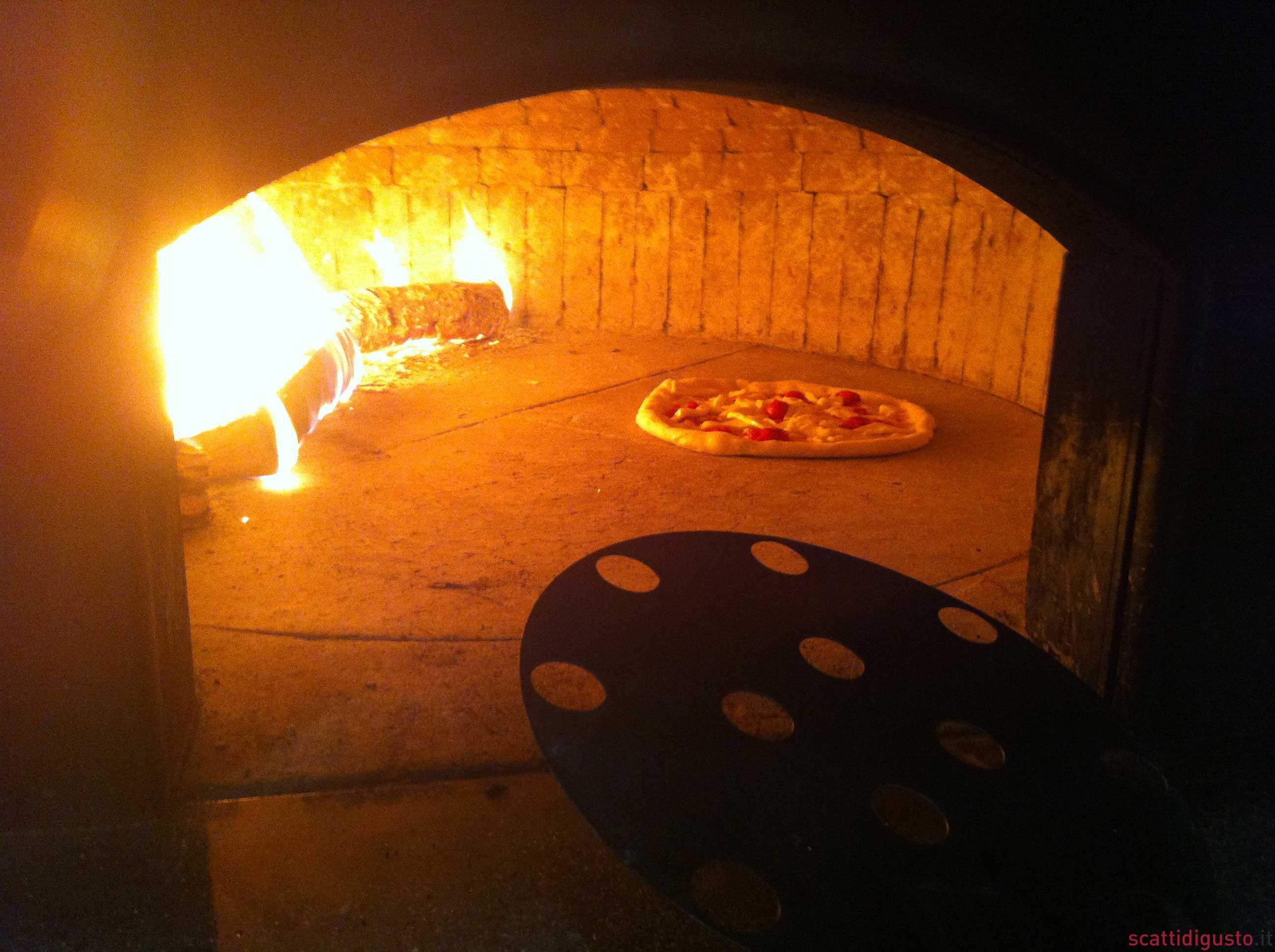 Gino sorbillo ritorna subito a sfornare pizze da gennaro - Forno pizza da gennaro ...