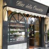 Milano. Sapere che il Bar della Crocetta fa i panini Escort e Lele non mi rincuora