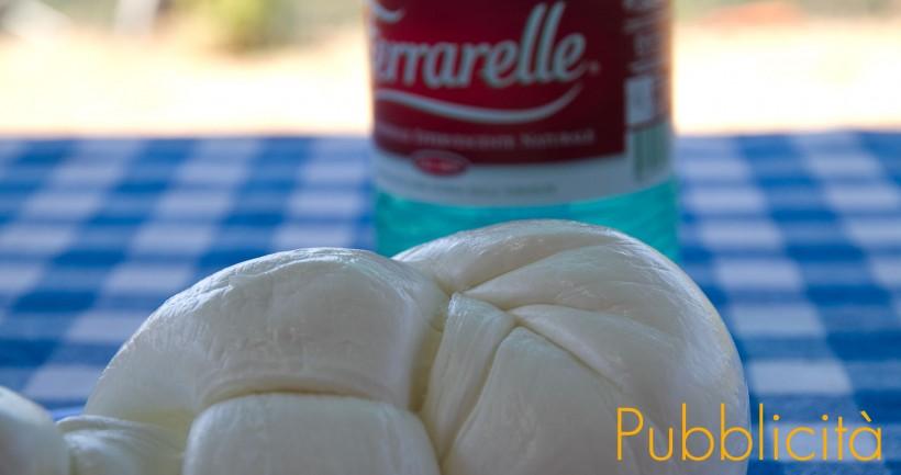 mozzarella-di-bufala-con-Ferrarelle-pb