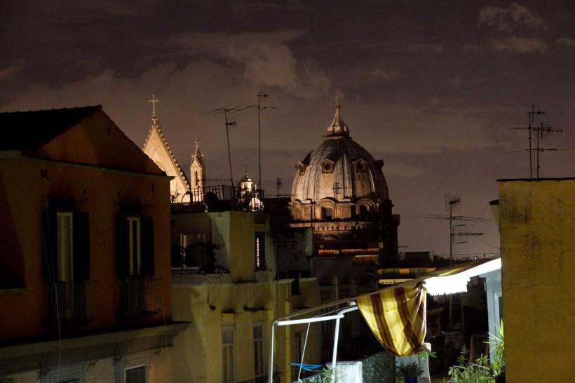 Tribunali-da-piazza-San-Gaetano-Napoli