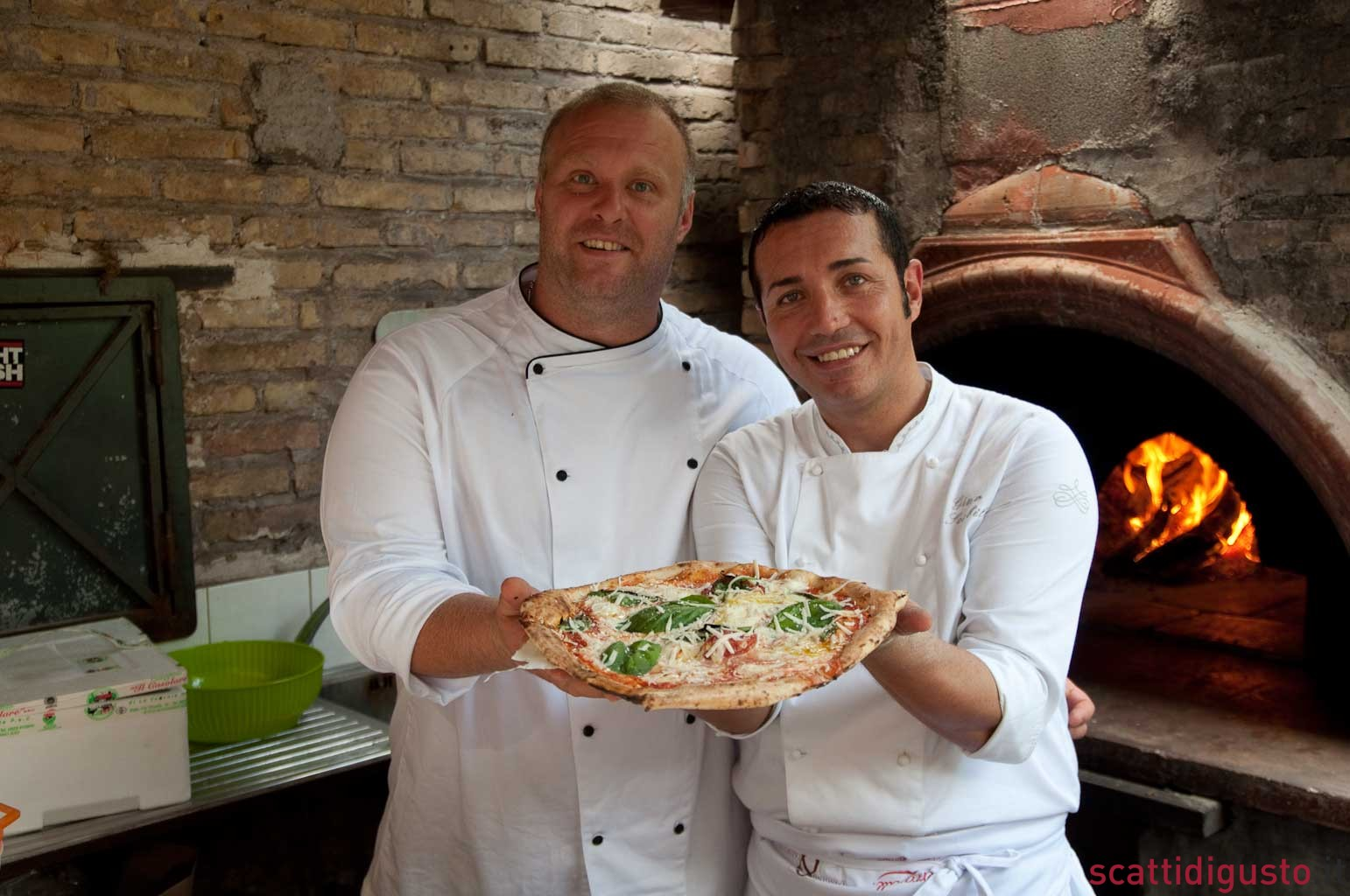 pizza-margherita-condivisione-Bonci-Sorbillo-02
