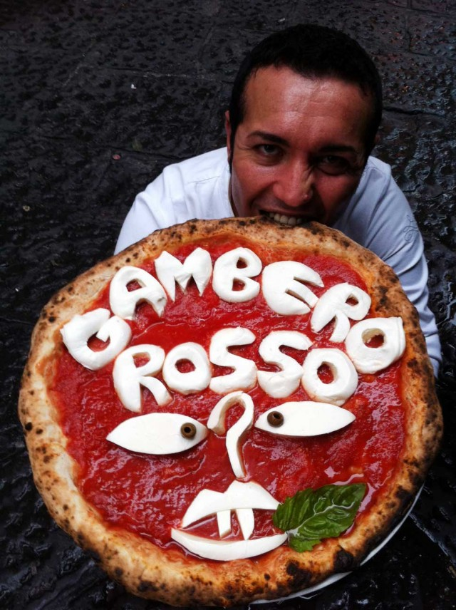 Gino-Sorbillo-mangia-Gambero-Rosso