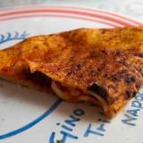 La ricetta del calzone di Gino Sorbillo con il soffritto napoletano e tre indirizzi dove comprarlo