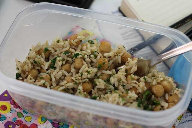 Pausa Pranzo Ufficio : Pausa pranzo in ufficio schiscetta etnica con riso e ceci speziato