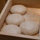 Come fare la pizza con il criscito e il cornicione ripieno di ricotta di Gino Sorbillo