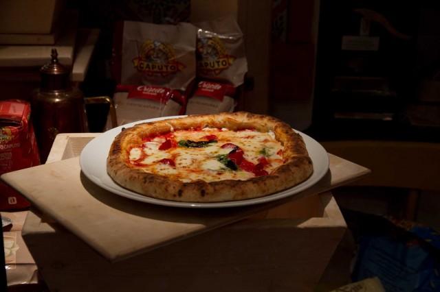 pizza-Sorbillo-criscito-naturale-cornicione-ripieno-01