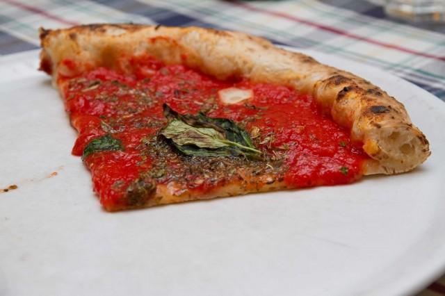 pizza-marinara-Pasqualino-Rossi-da-Gatta-Mangiona