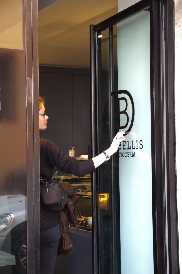 Andrea de Bellis ingresso pasticceria