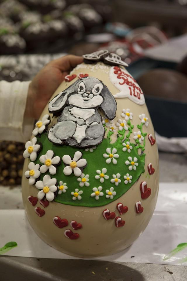 Gay Odin decorazione uova cioccolato 03