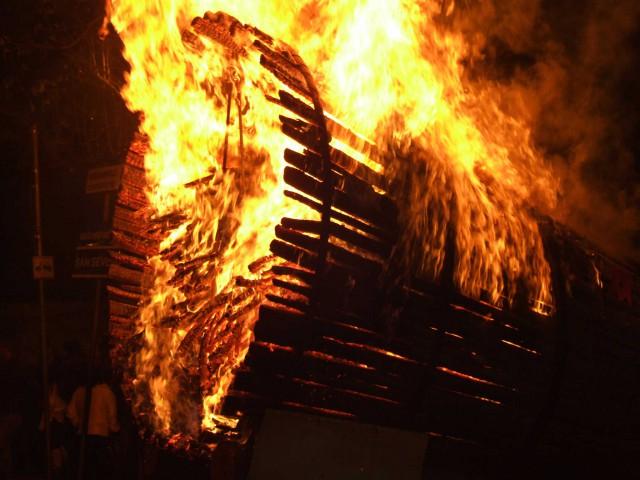 fracchia-incendiata