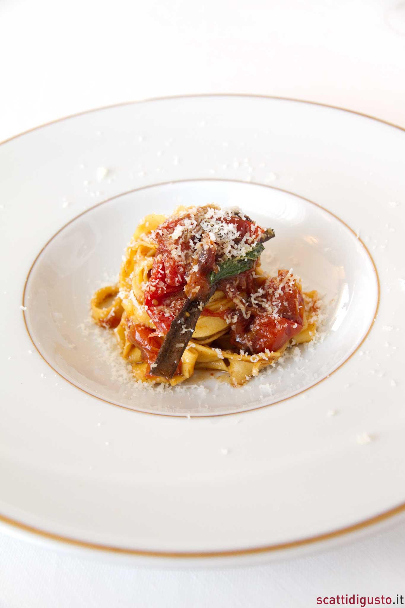 Fettuccine pomodorini brace Tassa