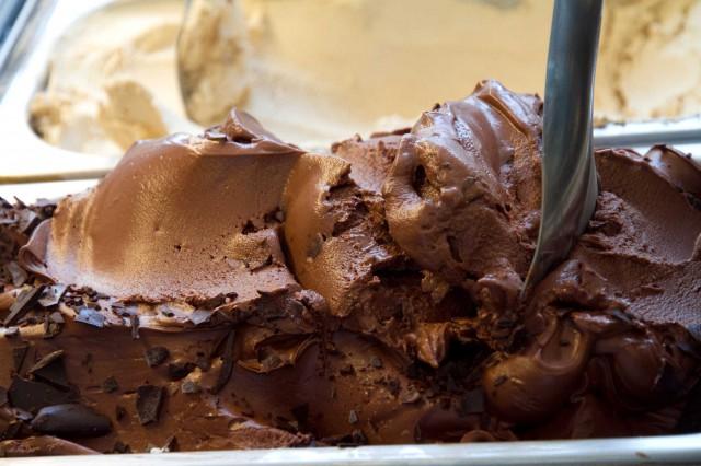 gelato-cioccolato-Neve-di-Latte-Roma