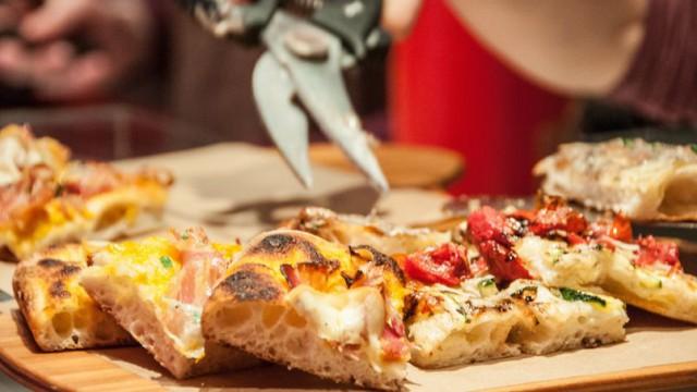 pizza al taglio ph Dimitri Roulleau-Gallais