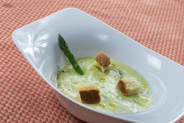 vellutata-asparagi-e-patate-04