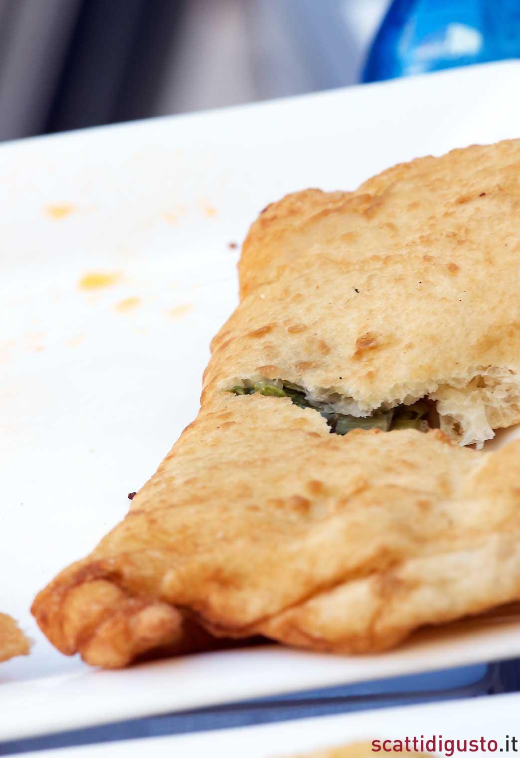 Masterchef-3-pizza-fritta-scarola-esterna-Napoli
