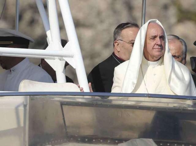 Papa Francesco Lampedusa ph AGI