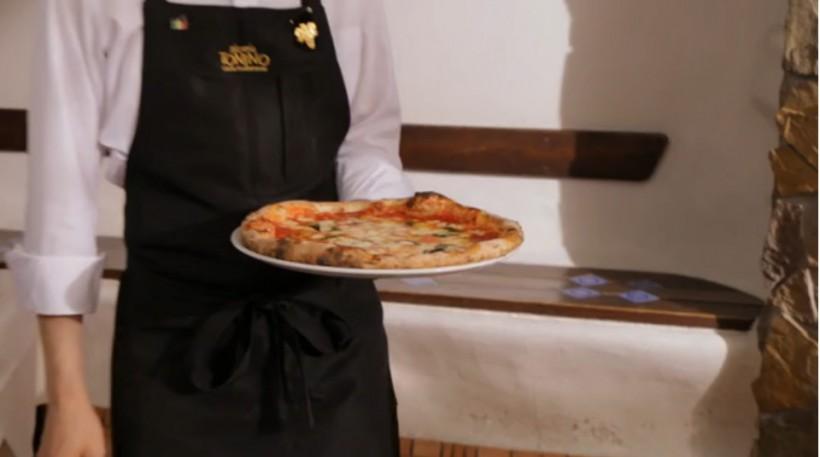 come si fa video e foto pizza da Tonino