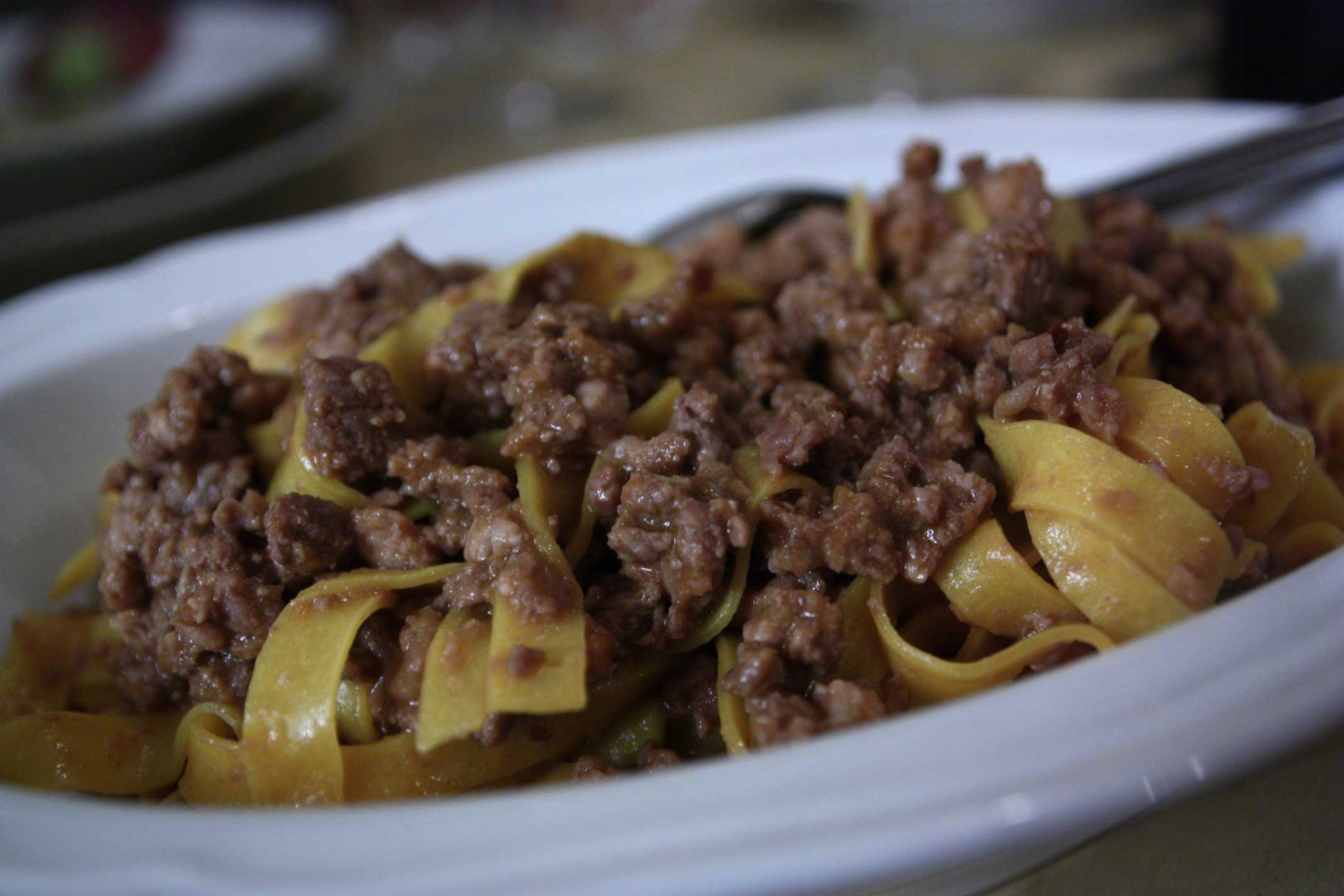 fettuccine-ragù-Osteria-Bottega-Bologna