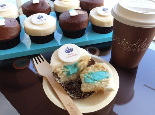 royal baby cupcake