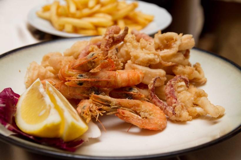frittura calamari gamberi il rosso e il mare acciaroli