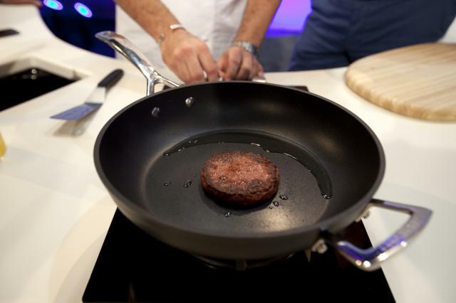 hamburger di carne artificiale preparazione 05