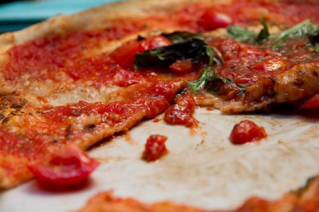 pizza marinara tagliata