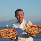 Lezioni di pizza. Come imparare a farla a casa con 12 grandi pizzaioli